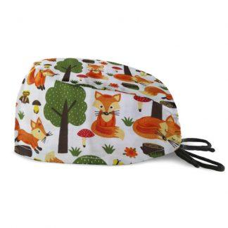 czepek medyczny #16B w rude liski w lesie na białym tle
